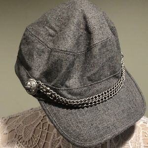 Juicy Couture Gray Tweed Newsboy Cap Hat w/ Chain